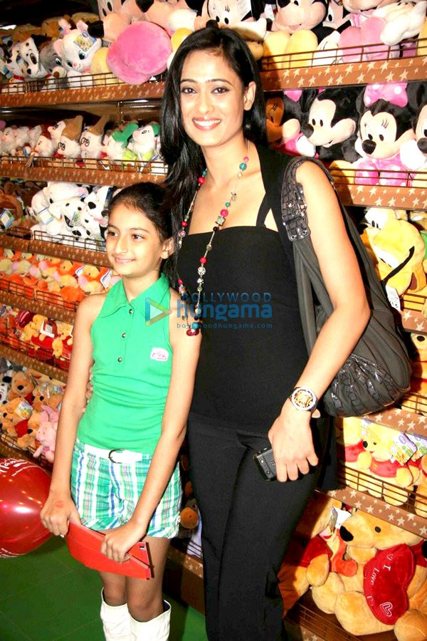 Shweta Tiwari with her daughter