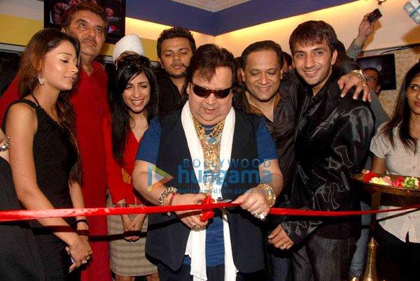 Sara Khan, Raza Murad, Shibani Kashyap, Bappi Lahiri, Ali Merchant