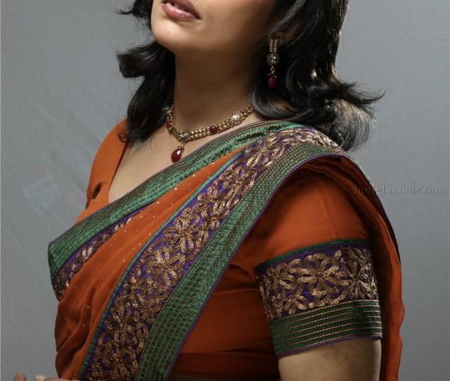 Prev Image Next Image Malayalam Actress Swetha Menon Photo