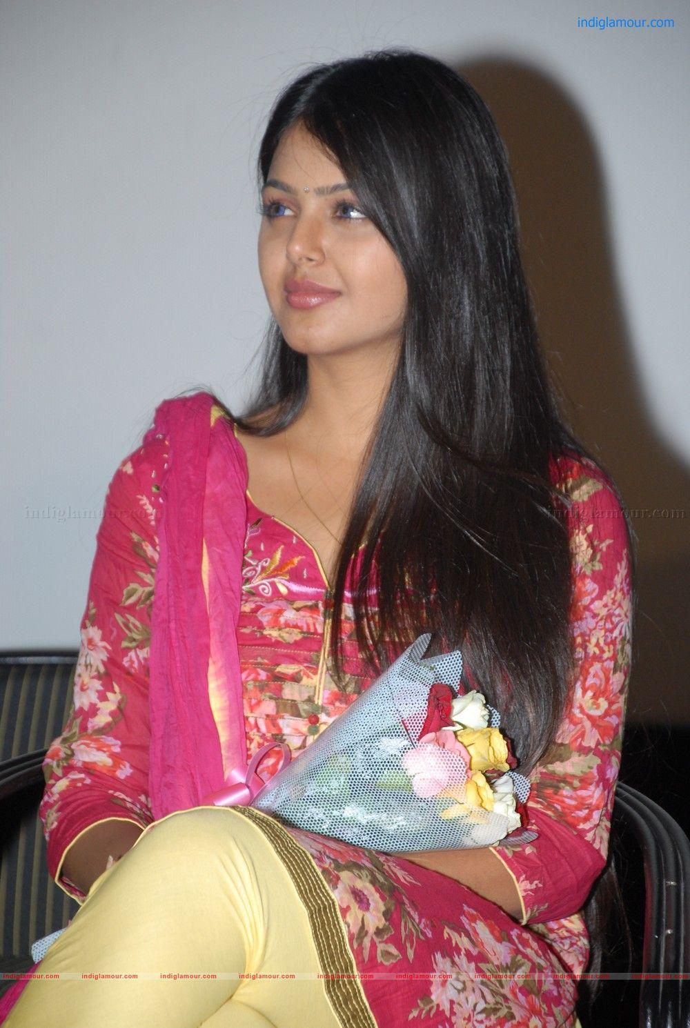 Monal Gajjar Actress Photos Stills Images Pictures And