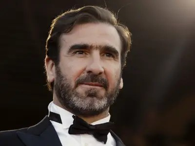 Before eric cantona moved to england with leeds united, he had enjoyed a mixed career in france, one punctuated by controversy on and off. Controversial Soccer Legend Eric Cantona Is Seeking Nomination To Run For President Of France