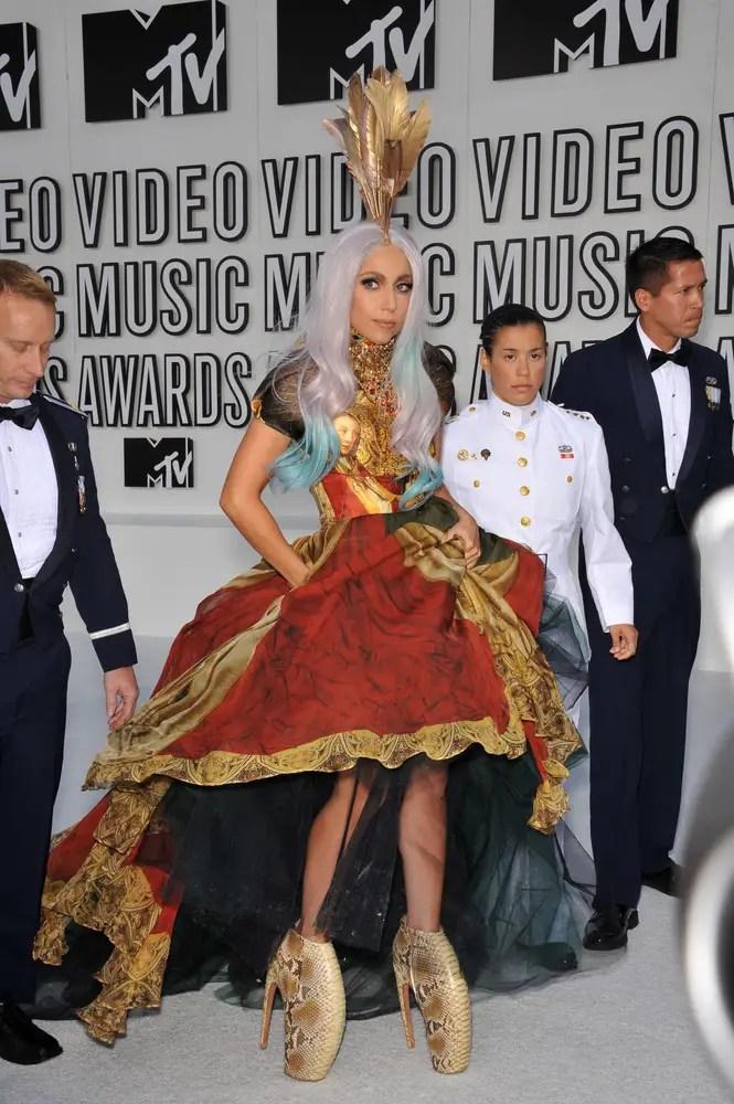 Lady Gaga Egg Dress : dress, Gaga's, Iconic, Carpet, Outfits