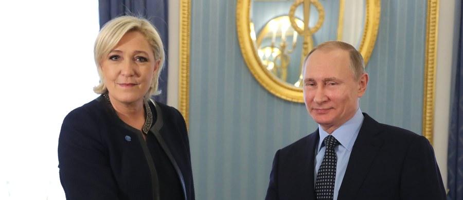 Znalezione obrazy dla zapytania Marine Le Pen z Putinem