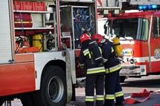 """Groźna sytuacja na krajowej """"28"""". Zapalił się autokar wiozący blisko 60 dzieci"""