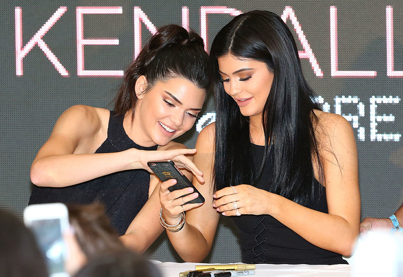Kendall and Kylie Jenner / Scott Barbour / Getty Images