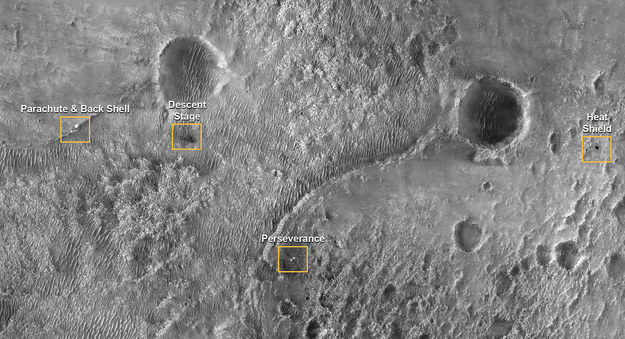 The landing site of the Perseverance rover and the sites of the fall of individual parts of the lander through the lens of the MRO / NASA / JPL-Caltech / University of Arizona / Press materials