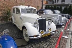Polacy coraz chętniej kupują samochody zabytkowe