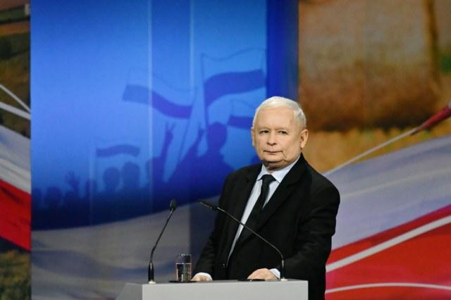 Prezes Prawa i Sprawiedliwości Jarosław Kaczyński podczas konwencji wyborczej na terenie Targów Kielce / Piotr Polak    /PAP