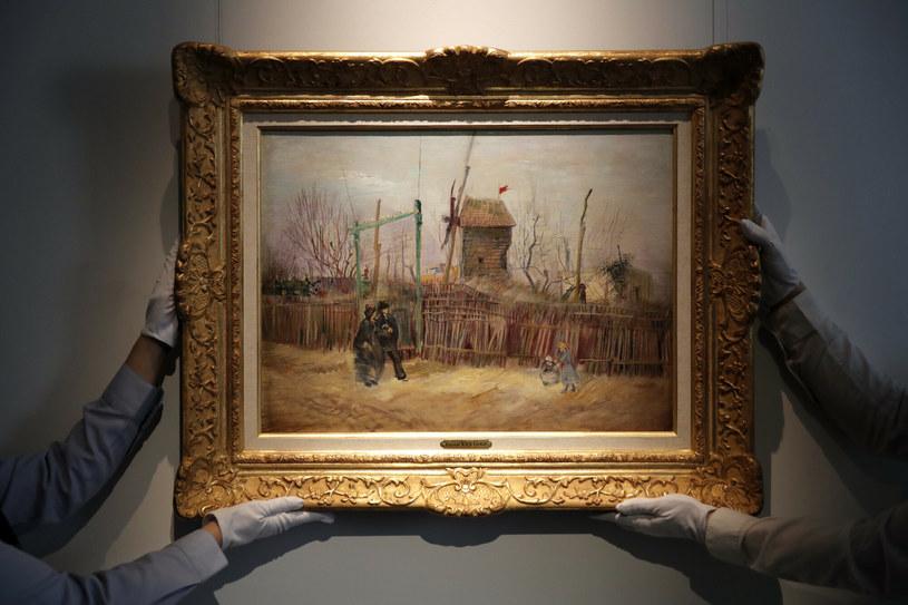 """Scenka uliczna na Montmartre"" Vincenta van Gogha /East News"