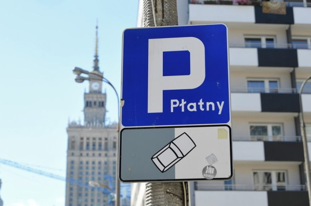 Strefa płatnego parkowania w Warszawie / Radek Pietruszka   /PAP