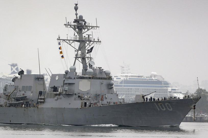 Wzrosła liczba zakażonych koronawirusem marynarzy z amerykańskiego niszczyciela USS Kidd. /AP Photo/Gregory Bull /East News
