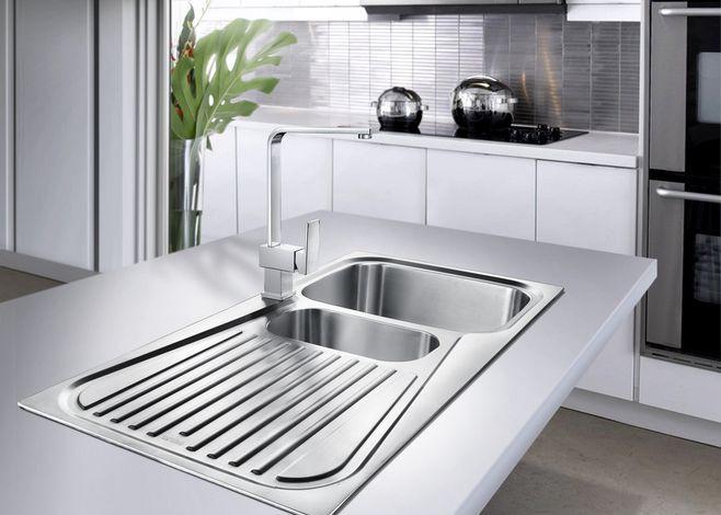 best kitchen sink discount sinks 厨房水槽是双的好还是单的好 整体橱柜 家居在线 厨房的时候需要更多更周全的考虑到是否实用 千万不要为了外在的美观而忽视了内在的作用 水槽是洗碗洗菜最常用的地方 那么安装水槽是双水槽好还是单 水槽好呢