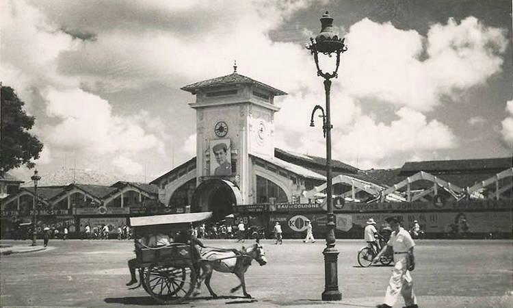 Nguyên thủy, chợ Bến Thành (Chợ Mới hoặc Chợ Sài Gòn) đã có từ trước khi người Pháp xâm chiếm Gia Định.