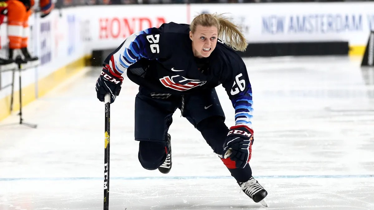Photo of Kendall Coyne Scholfield: I was wrong about Colin Kaepernick