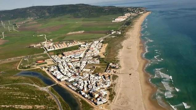 zr3blgcsxzpdkzrtfqk9 'Totally Absurd': Spanish Officials Douse Beach With Bleach to Fight Coronavirus   Gizmodo
