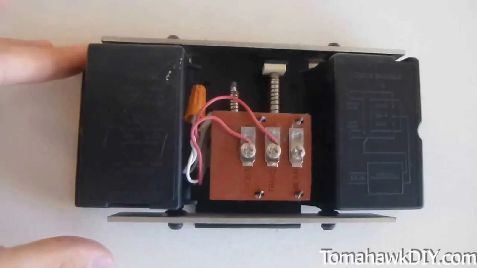 Wiring A Wireless Doorbell Furthermore Doorbell Circuit Diagram