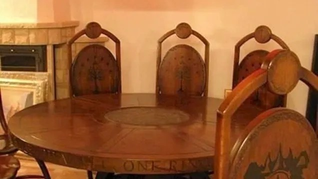 This Lord Of The Rings Inspired Dining Room Is Perfect For
