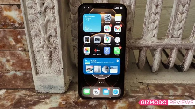agjieohpzdiund2nst9f The iPhone 12 Pro Max Is Entirely Too Much Phone, but It's So Good | Gizmodo