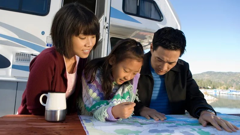 Illustration for article titled Top Reasons To Consider A Road Trip For Your Next Family Vacation