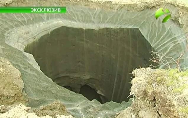 ¿Qué ha causado este inusual agujero gigante en Siberia?
