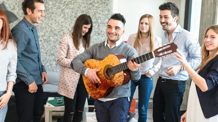 Illustration for article titled Ugh, So Obnoxious: This Guy Just Pulled Out An Acoustic Guitar At A Party And Killed Someone With It