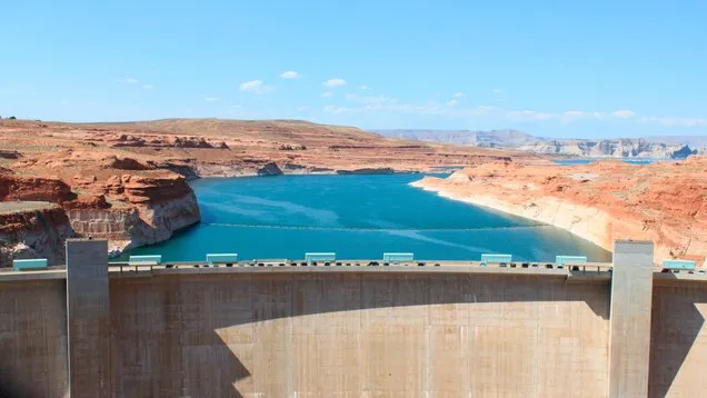 3e275aaf29ff446ac3ac41592b862af1 Officials Pull 'Emergency Lever' as Lake Powell Plunges Toward Dangerous New Low   Gizmodo
