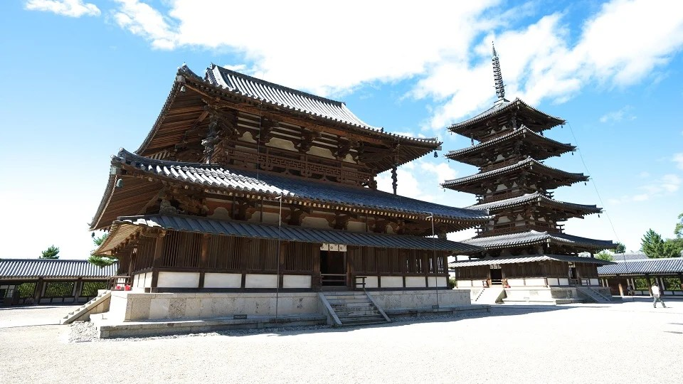 How Japans Oldest Wooden Building Survives Giant Earthquakes