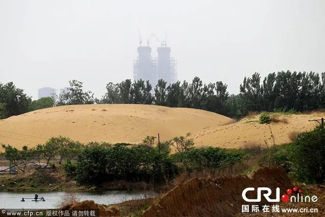 China tries to make artificial lake, fails and creates desert instead