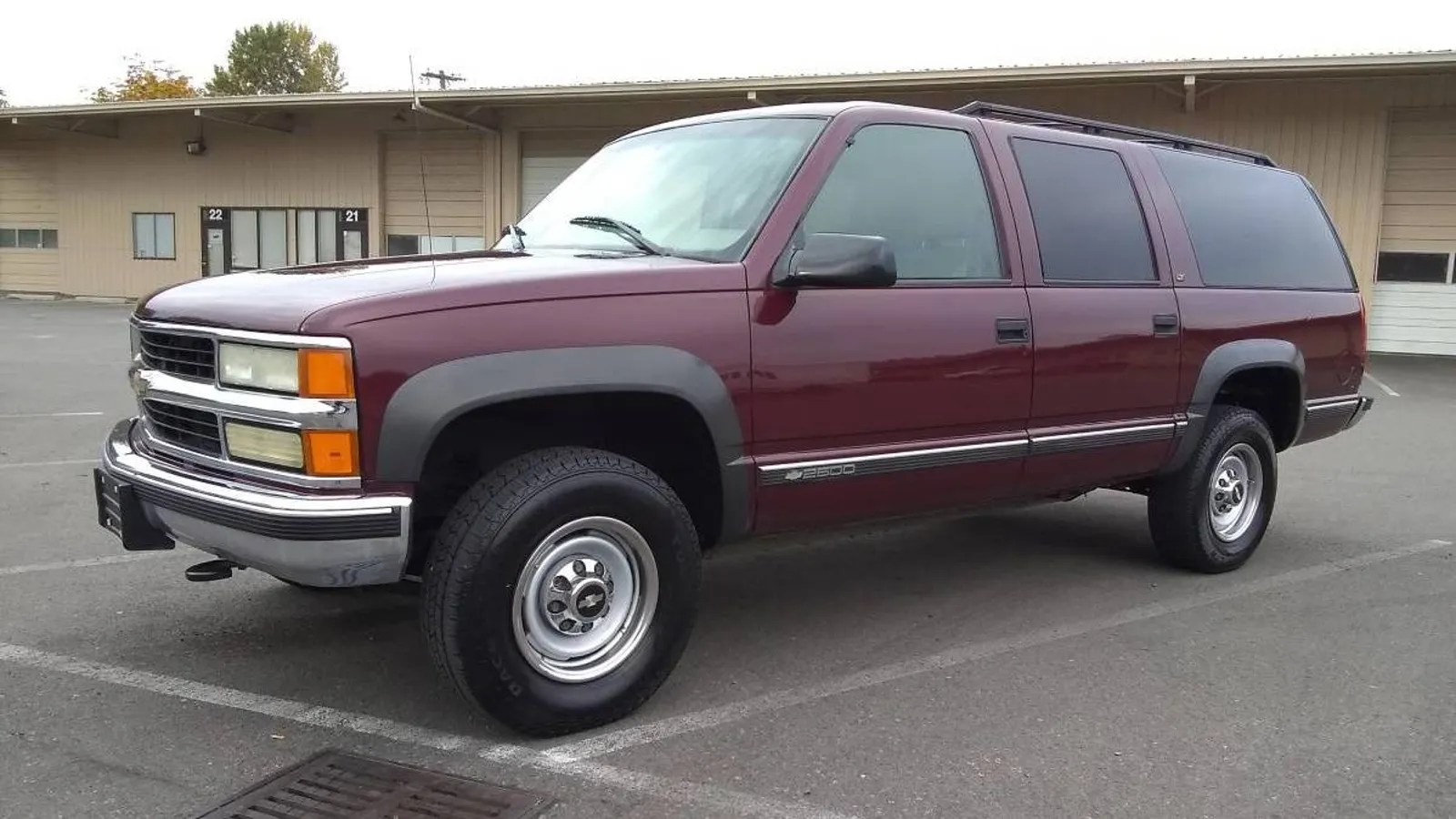 hight resolution of at 2 500 is this 1999 chevy suburban a bargain even when not considered by dollar per foot