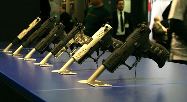 Open-Carrying Guy Has His Brand-New Pistol Stolen at Gunpoint