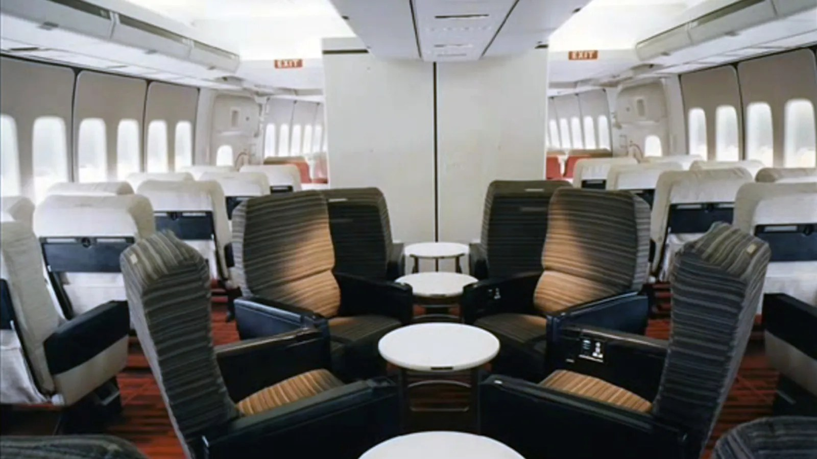 hight resolution of diagram of inside of a 747