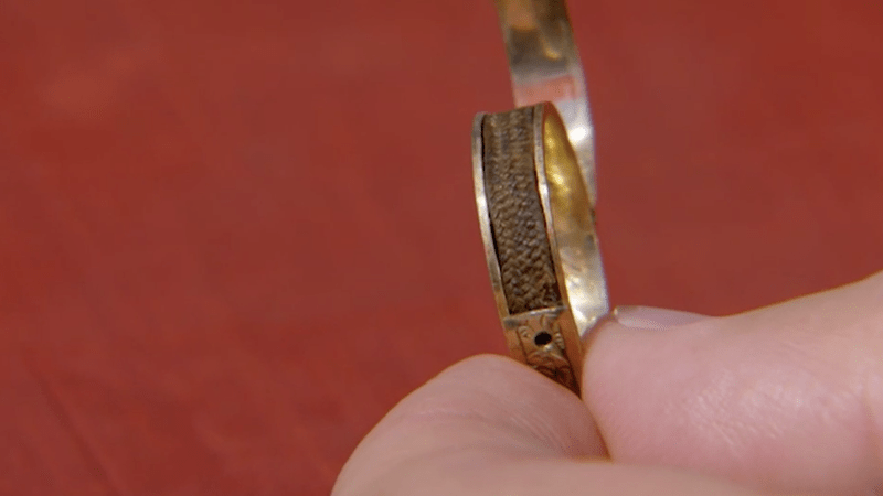 Illustration for article titled Woman Finds Ring Filled With Charlotte Brontë's Hair, Is Now $26,000 Richer