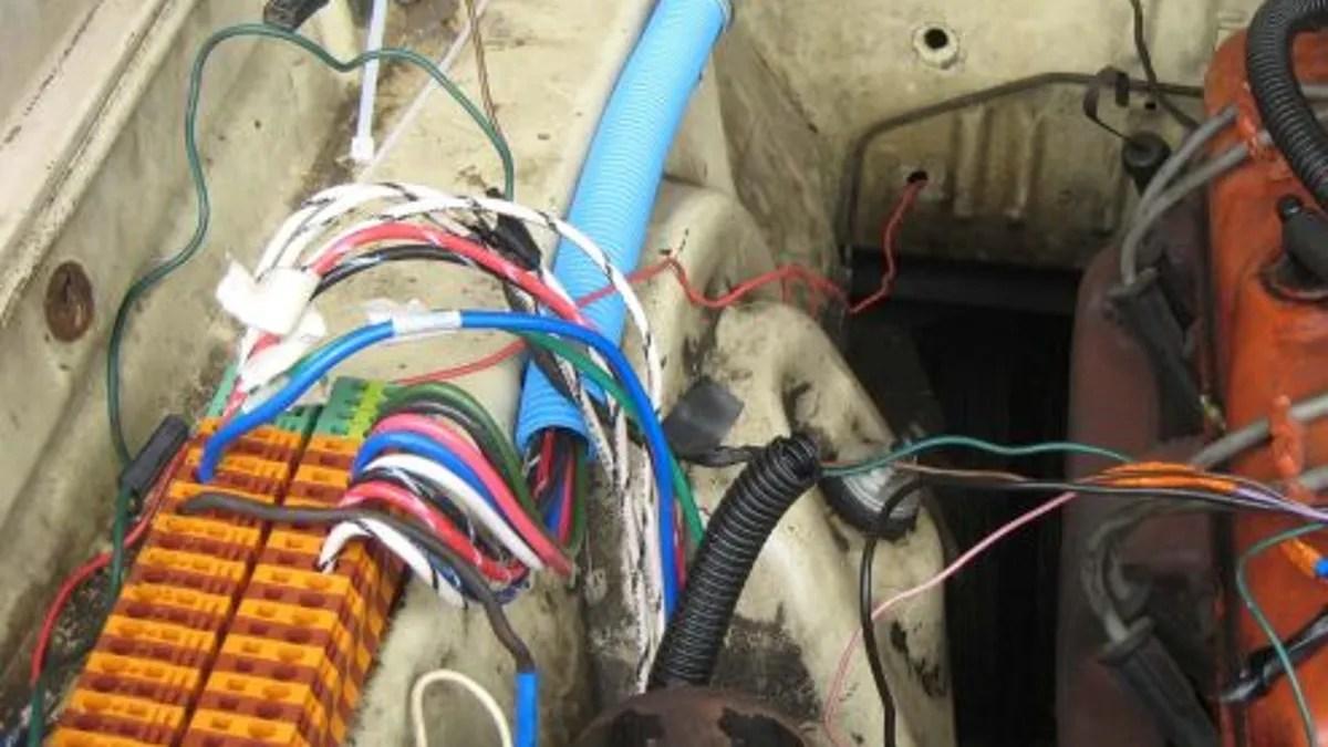 hight resolution of race car wiring job
