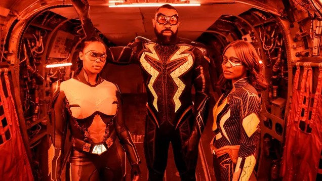 ipir2wqe0ycj1xkon7b2 Black Lightning Has Been Slowly But Surely Putting Together DC's Outsiders | Gizmodo