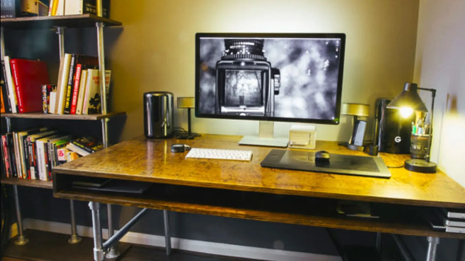 The DIY ClutterFree Photo Editing Workspace