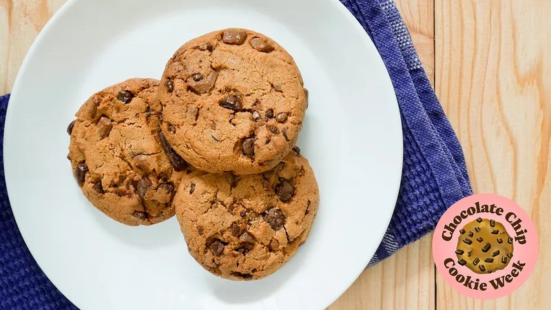 Describe Your Ideal Chocolate Chip Cookie In Graphic Detail