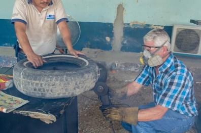 Esta armadilha Low-Tech para matar mosquito ovos é brilhante