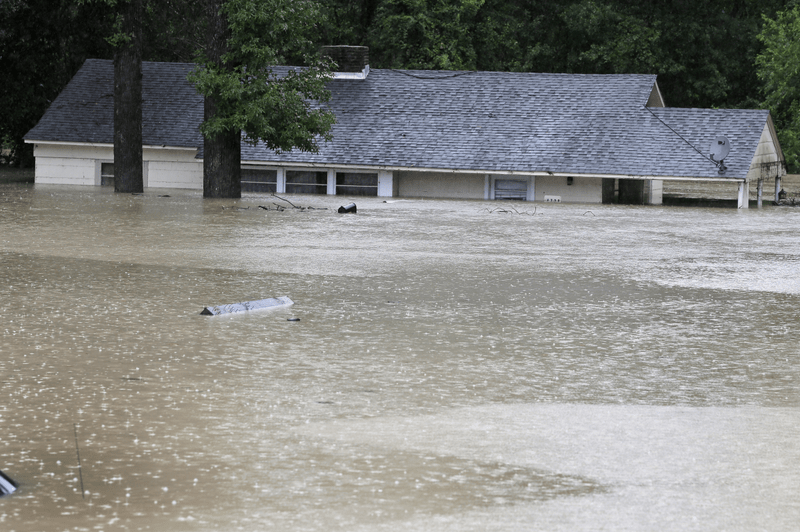 Five Important Things Everyone Should Know to Survive the Next Weather Disaster