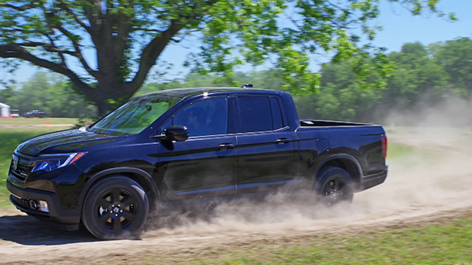 hight resolution of the 2017 honda ridgeline is solid but a little too much accord for its own good