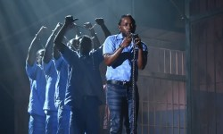 Kendrick Lamar will tear down the Grammy Awards once more
