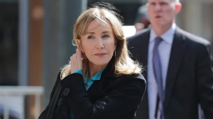 Illustration for article titled Felicity Huffman to Plead Guilty in College Admissions Scandal