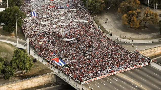 49207859a784fb4efcf31d5715509401 That Viral 'Protest' Photo of Cuba Is Actually From May Day 2018 | Gizmodo