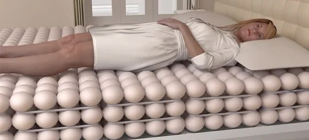 Layers of Inflatable Balls Might Just Make This the Greatest Bed Ever