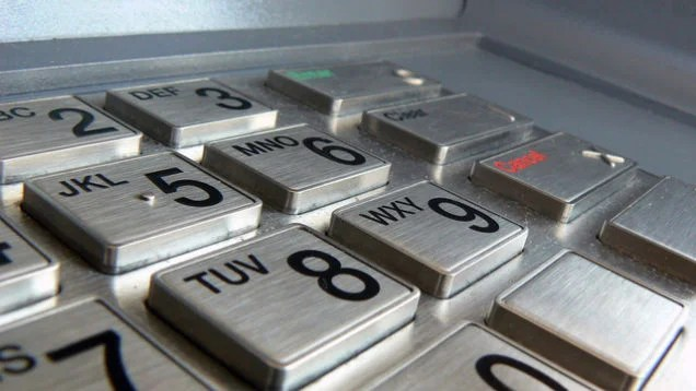 """14-Year-Old Kids """"Hack"""" Into ATM Using Default Security Code"""