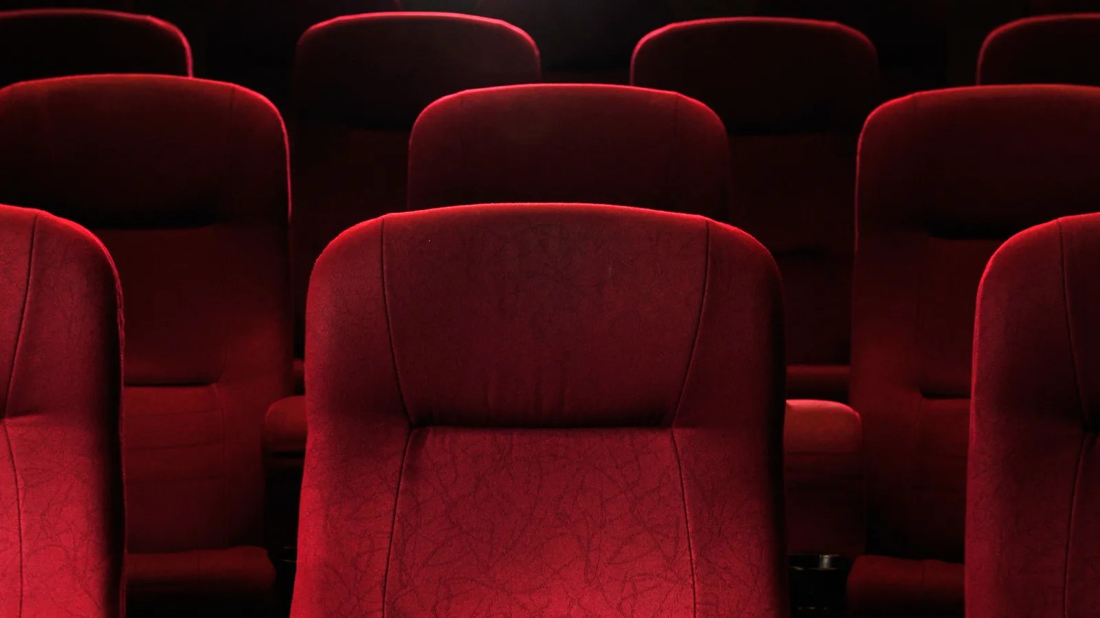 Movie Theater Chairs Man Dies After Being Crushed Under Movie Theater Seat In