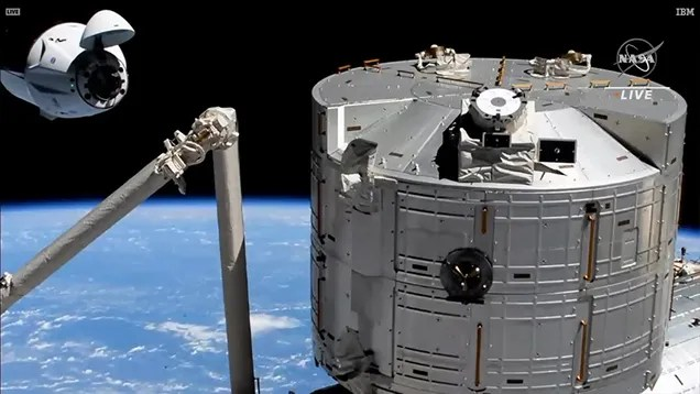 xi8v1ymlhkhkxc9vywl7 A Chunk of Debris Nearly Hit SpaceX CrewDragon as It Carried Astronauts to the ISS | Gizmodo