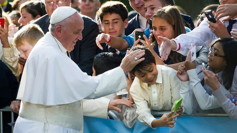 Pope Francis to Teens: Get Off Your Phones