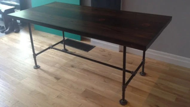 Build Industrial Furniture With Wood And Pipes Lifehacker Australia