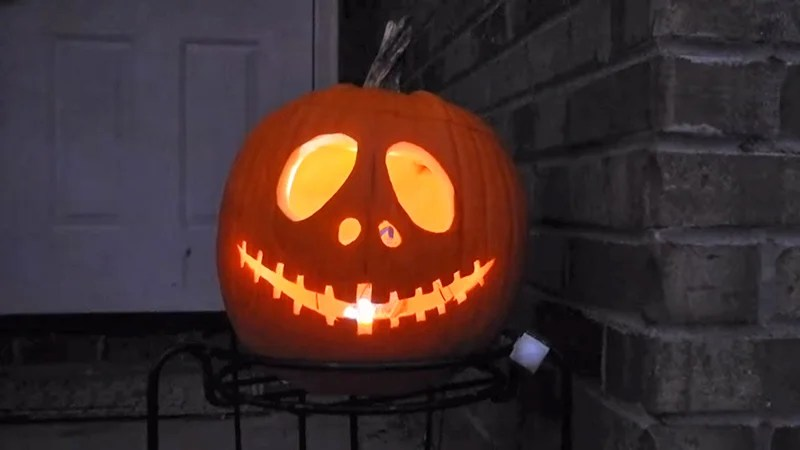 10 Killer Pumpkin Carving Ideas to Win Halloween