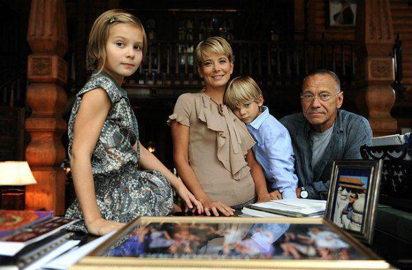 Юлия Высоцкая: «Я не виню мужа за ДТП, после которого дочь впала в кому»